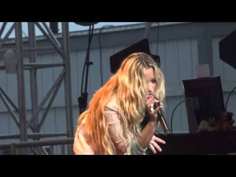 "Demi Lovato - ""Hold Up"" and ""Get Back"" (Live in Del Mar 6-12-12)"