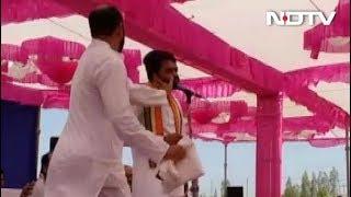 हार्दिक को भाषण के दौरान शख़्स ने मारा थप्पड़ - NDTVINDIA