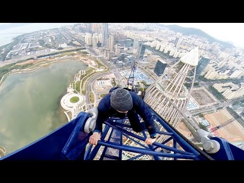 JUMPING OFF A 1300FT CRANE IN CHINA