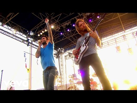 Maroon 5 – Never Gonna Leave This Bed (VEVO Carnival Cruise) cloned