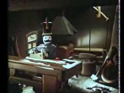 Кадр из мультфильма «Вернулся служивый домой»