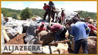 🇿🇼 Cyclone Idai: Families hunt for missing relatives in Zimbabwe l Al Jazeera English - ALJAZEERAENGLISH