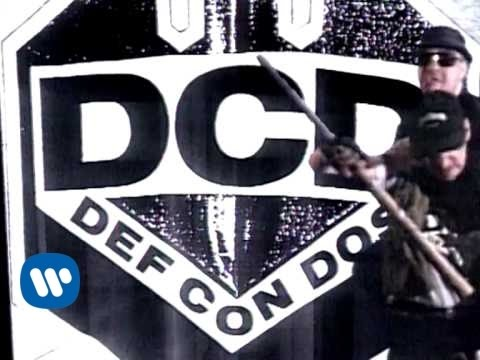 Def con dos - Accion Mutante (video clip)