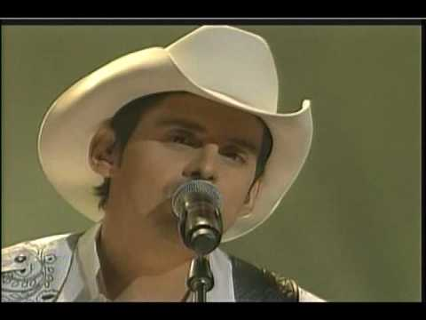 Carrie Underwood & Brad Paisley Louisiana Woman Mississippi Man 