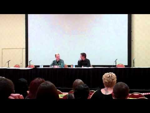 Walking Dead (Norman Reedus) Q&A - Part 5 (Monster Mania 2011)