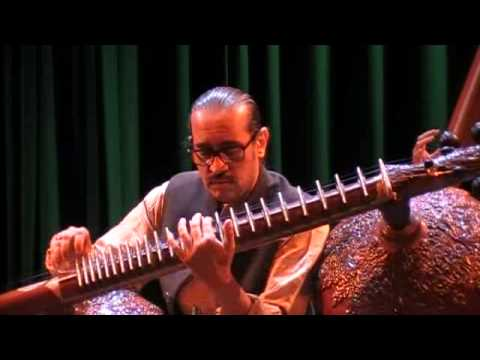 Ust. Bahauddin Dagar - Raga Chandrakauns - Rasa 2013