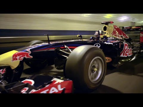 Red Bull Racing F1 Car in Lincoln Tunnel - Full Edit