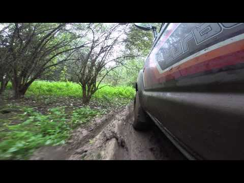 Toyota HJ61 off-road