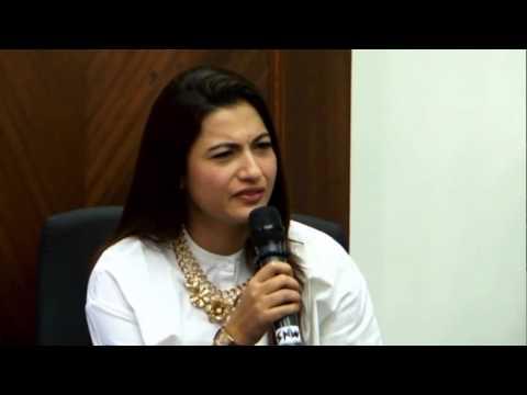 Gauhar khan - Angry on Akil Malik | SLAP CONTROVERSY | New Bollywood Movies News 2014