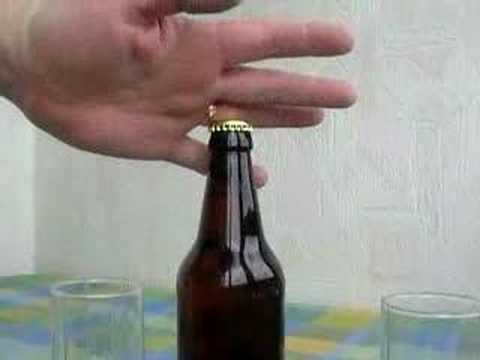 Burmom otvara pivo