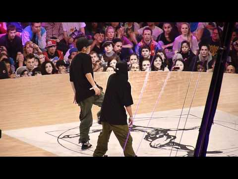 Les Twins (France/Japon) vs Yu & Chen (Chine) @ Juste Debout 2011