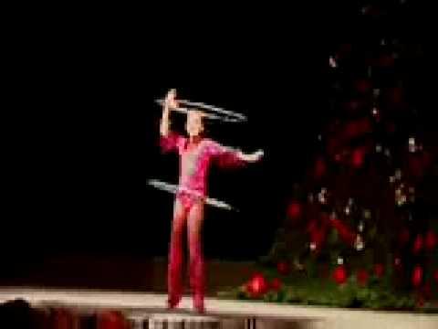 Niña rusa  ballet con aros IMPRESIONANTE