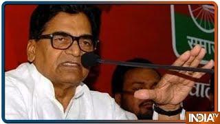 शहीदों पर राम गोपाल यादव ने फिर की सियासत, कहा वोट के लिए मारा गया जवानों को - INDIATV