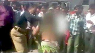 Policeman caught on camera thrashing woman in Maharashtra's Jalgaon - NDTVINDIA