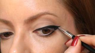 Julia Petit Passo a Passo Meio Vogue Maquiagem