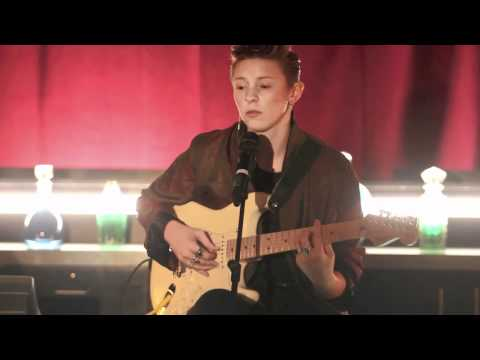 LaRoux - In for the kill live acoustic