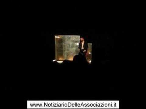 """Ascanio Celestini in teatro a Varese con """"Scemo di guerra"""""""