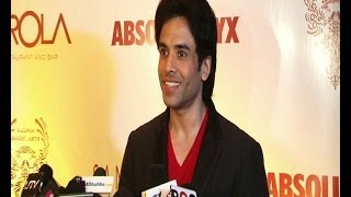 Tusshar Kapoor at an art exhibition - BOLLYWOODCOUNTRY