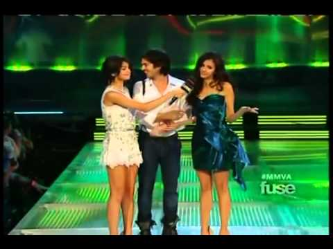 Nina Dobrev and Ian Somerhalder at the 2011 MMVA --s4XSqrgQoY