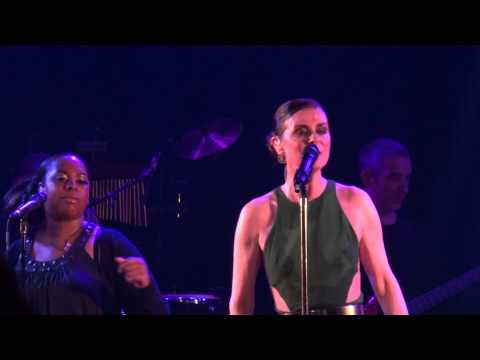 Lisa Stansfield - All Around The World  [Live @ Le Divan du Monde, Paris 2013-05-16]