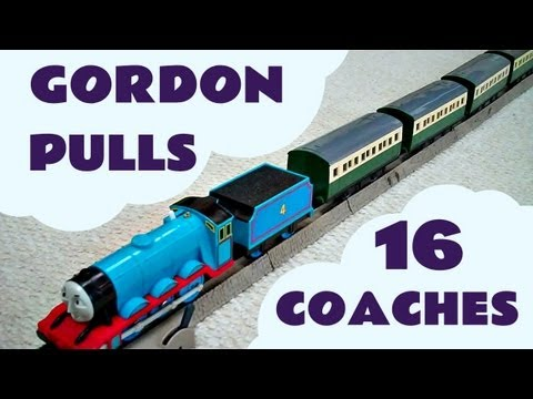 Trackmaster GORDON pulls 16 EXPRESS COACHES Thomas The Tank Engine