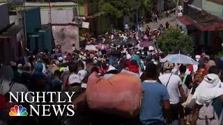 Over 7,000 Migrants Defiantly March Towards U.S. Border | NBC Nightly News - NBCNEWS