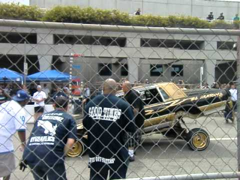 The Lowrider show Hopping In L.A. (July.31.2011) Good times car club