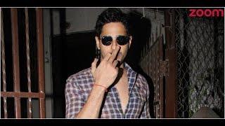 Sidharth Malhotra Angry With Paparazzi? | Bollywood News - ZOOMDEKHO