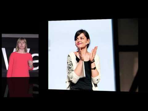 Kamila Staryga w czasie wystąpienia na TEDxWarsaw.