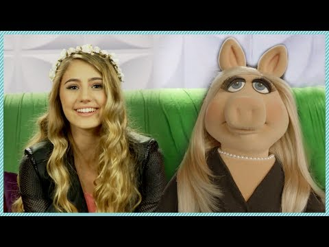MISS PIGGY interview for MUPPETS MOST WANTED - celeb crushes & movie spoilers!