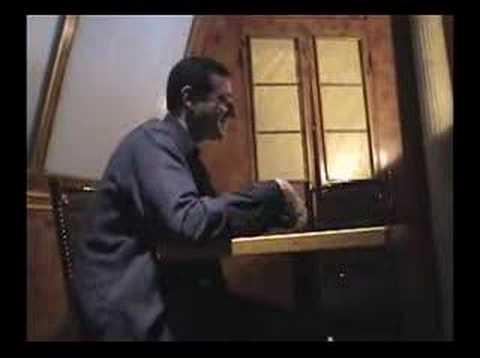 """Komik Bob Saget opowiada swoją wersję """"Arystokratów"""""""
