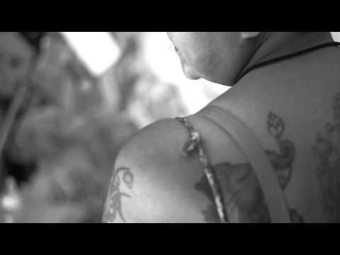 [Teaser] แม่เสียสละร่างกายตัวเอง ให้ลูกฝึกการสัก สัมภาษณ์โดย เดย์ ไทยเท