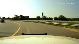 بالفيديو .. مقتل 4 في سقوط طائرة صغيرة على طريق سريع بأمريكا