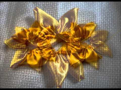 jogo de toalha bordado em fita e sianinha