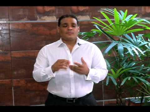 Levantamiento, reducción de implantes de senos por el Dr. Carlos López Collado