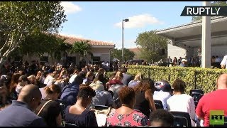 Vigil in Coral Springs following Parkland school mass shooting - RUSSIATODAY