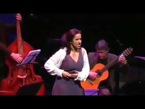Carla Regina - Bugün ayın üçüdür