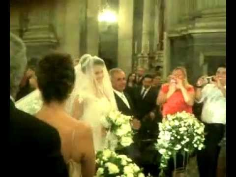 Casamento do Belo . Entrada da Gracyanne na igreja