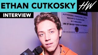 'Shameless', Ethan Cutkosky FREAKS OUT At Knott's Scary Farm!! | Hollywire - HOLLYWIRETV