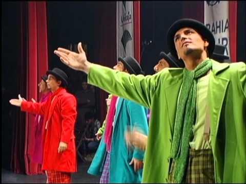La agrupación La milagrosa llega al COAC 2000 en la modalidad de Comparsas. En años anteriores (1999) concursaron en el Teatro Falla como Los templarios, consiguiendo una clasificación en el concurso de Primer premio.