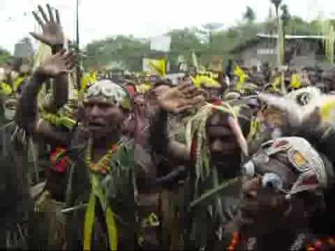 New Sephardi minyan ;O)   [Lost African Tribe chants Shema]