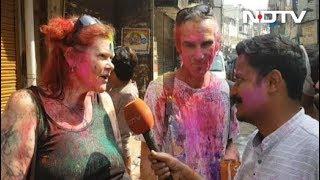 विदेशी सैलानियों पर भी छाई रही होली की खुमार - NDTVINDIA