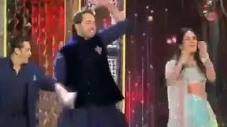 ईशा अंबानी- आनंद के संगीत में शाहरुख खान के गाने कोई मिल गया पर सलमान खान का जबरदस्त डांस वीडियो - ITVNEWSINDIA