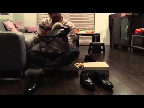 Prawdziwy mężczyzna nie wstydzi się polerować butów