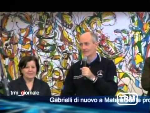 Gabrielli in visita a due istituti scolastici di Matera - يوتيوبات