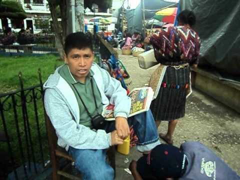 Chichicastenango, parque central. Camara viajera de Pancholon Radio