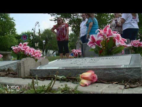 Jarrell community remembers those lost 20 years after deadly tornado