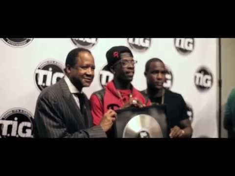 "Rich Homie Quan Receives Platinum Plaque For ""My Niggas"" (Vlog)"