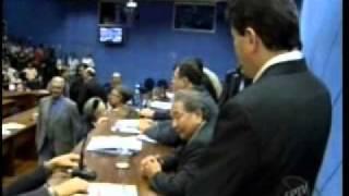 Trabalhadores lotam plenário e PL das OSs é retirado da pauta