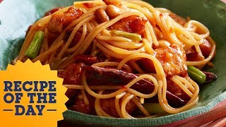 Recipe of the Day: Copycat Kung Pao Spaghetti | Food Network - FOODNETWORKTV